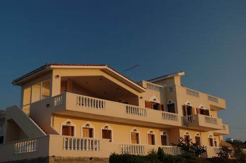 Dimitris Apartments image1